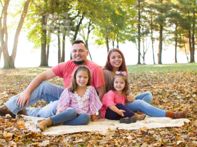 Fall Mini Giveaway Family Session at Lake Milton