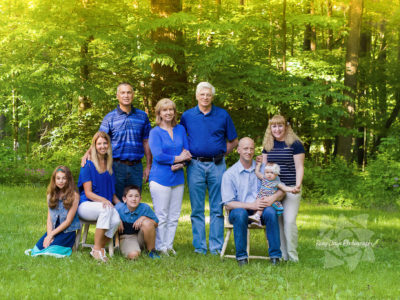 Extended Family Portraits at Look About Lodge